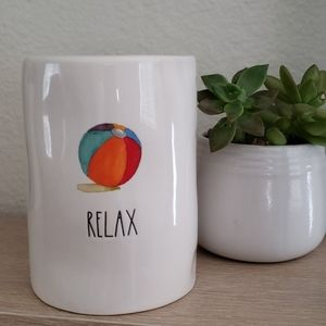 Rae Dunn RELAX Candle NEW!